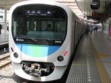 西武線新車両(全景:フロント)
