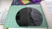 サンドブラスト作業中(丸型ラウンド盾)後面養生表