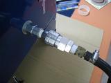 サンドブラストBOX(青キャビ)エア導入口接続