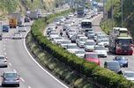 大型連休(高速道路渋滞)