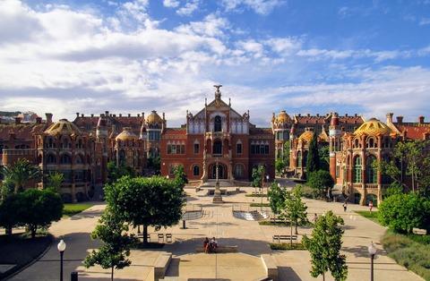 barcelona-3475054_1920