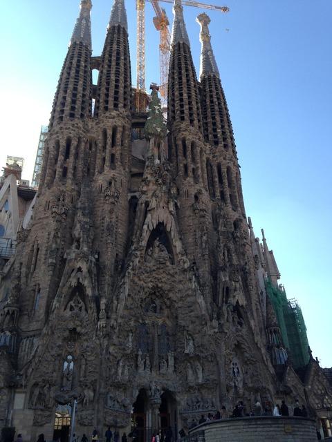 barcelona-2442568_1920