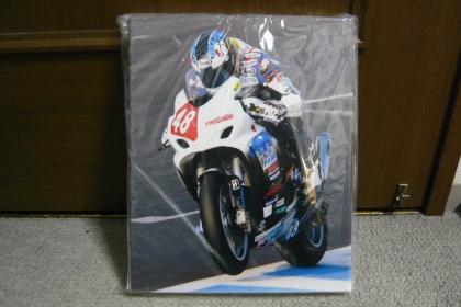 100403 全日本ロードレース選手権 出口選手へのプレゼント