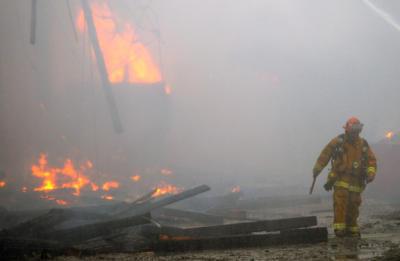 20111027__carsonfire2_400