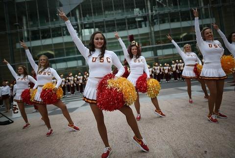 usc-trojan-cheerleaders