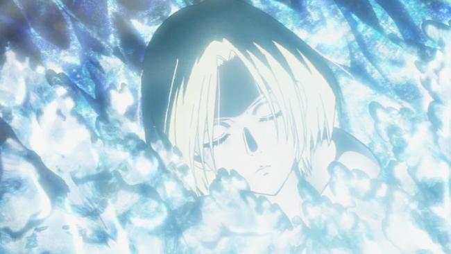 結晶が青い光と共にアニを覆っていく