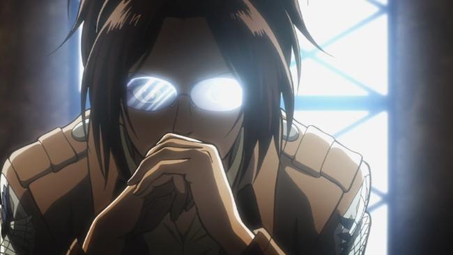 ハンジのメガネの光の反射