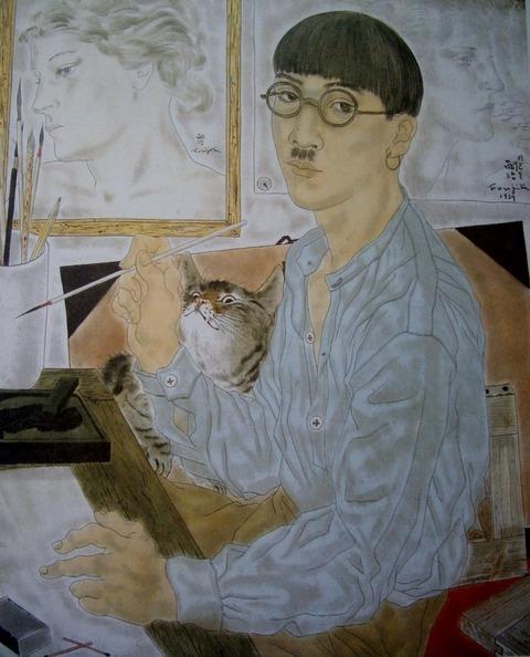f9dab1018b53 ややあっさりと仕上げられていた《猫のいる自画像》に対して、所狭しとモティーフが描き込まれていますが、赤などポイントとなる色をバランスよく配置することで全体を  ...