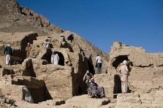 Excavators in Mes Aynak