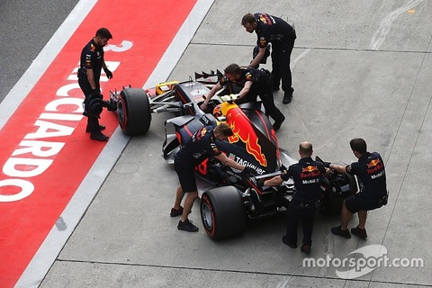 f1-chinese-gp-2017-max-verstappen-red-bull-racing