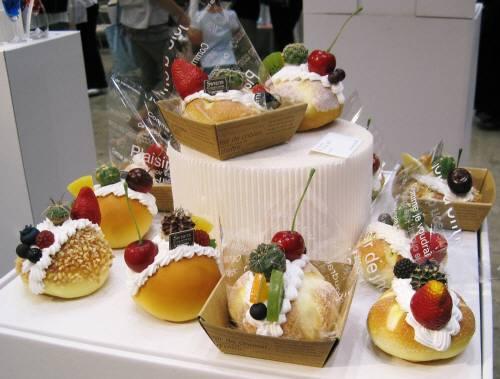 06ビッグサイトケーキ型サボテン1