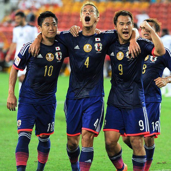 日本、再三の決定機を外すも本田のPKで勝利 海外の反応(追記 ...