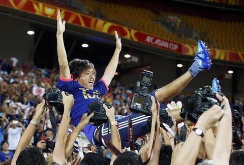 遠藤が代表150試合出場を達成 海外の反応
