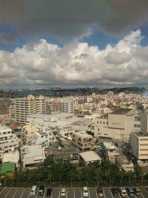 某場所から望む 沖縄の街