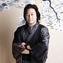 斉藤さんは、京都出身のファッションデザイナー 。