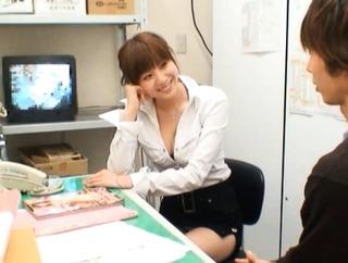 麻美ゆま/破廉恥コンビニSEX 完全痴女の露出狂! Yuma Asami Hot Asian doll has sex in a shop