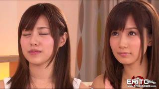 小島みなみ/瑠川リナ/双子みたいな美乳美少女2人が潮吹き対決!どっちがお漏らし上手か勝負だ!