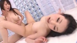 水嶋あずみ/美しい女達が男いらずの快感ワールドに浸る! Flexible Lesbians: Azumi Mizushima and Eri Tanaka (2 of 3)