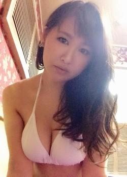 AV女優・沖田奈々ちゃんの画像