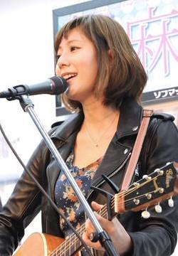 麻美ゆまさんの画像