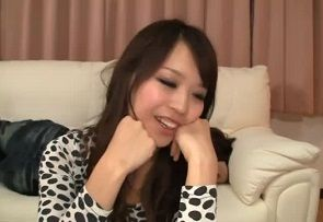 新山花里菜 彼氏を酔い潰して尻軽彼女を寝取り3P