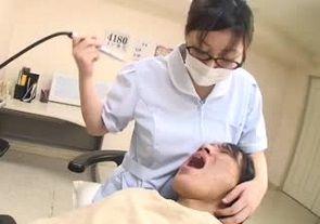 平山薫歯科医師