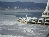 凍る諏訪湖