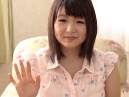 Iカップの巨乳がコンプレックスという美少女だけど、その爆乳おっぱいを生かしてAVデビュー!