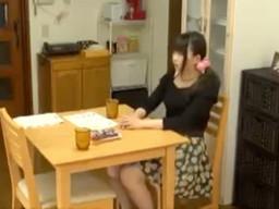 激カワな若奥さんの浮気調査の為、自宅にカメラを設置してみたら・・・