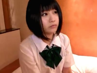 お金が欲しい黒髪ショートカット童顔JK美少女とハメ撮りして勝手に中出ししちゃう!