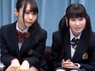 アイドル顔のロリ系JK2人組をエロ診察して、SEXしちゃう!
