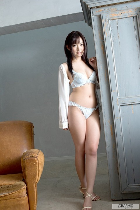 ayano_nana_3780-043s