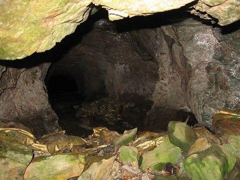 鉱山内部A