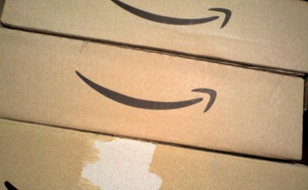 アマゾンが配送サービス用の新ドローン公開