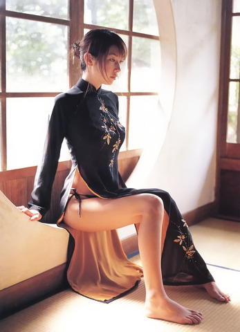 【チャイナドレス】スリットからヌ~っと伸びる美脚・・・ シルエットが既にエロいチャイナドレス 画像 30枚