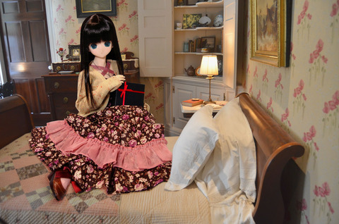 エレン、お部屋で待ちます