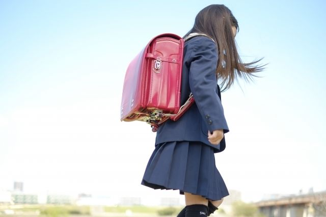小学生女の子制服
