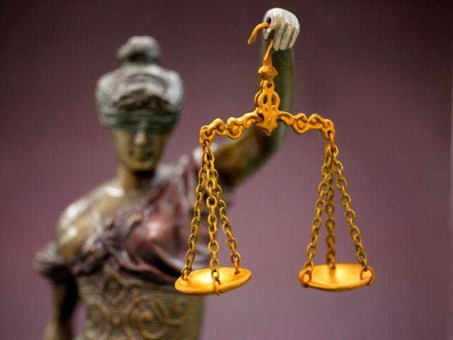 正義の女神テミス天秤