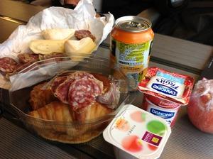 TGVの中でお弁当