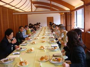 女将の会総会の昼食会