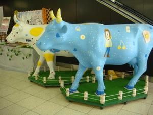 那須塩原駅に牛さん2頭