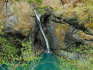 留春の吊橋の滝