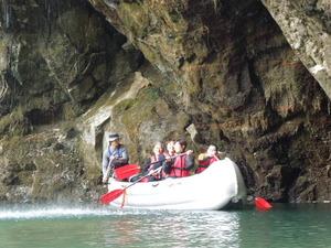 Eボート体験裏見の滝くぐり