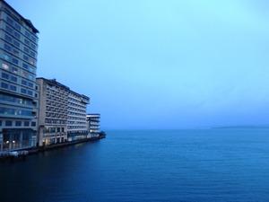 朝の和倉湾