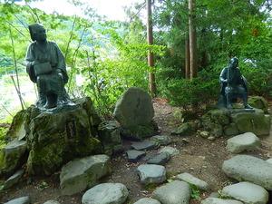 芭蕉と曽良の像