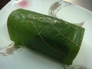 鰻山菜おこわ青朴葉包み