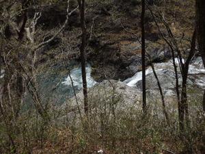 布滝観瀑台の向かい側