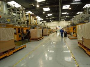 広い工場、ほとんど機械化されています