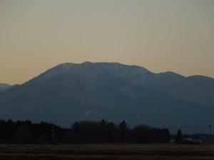 夕映えの山