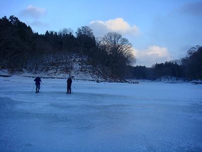 一面凍りついた大沼